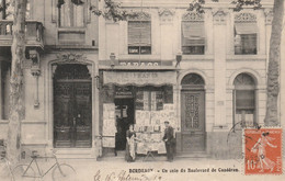 Bordeaux, Un Coin Du Boulevard De Caudéran - Bureau De Tabac 98 Boulevard Du Président-Wilson - Articles De Fumeurs - Bordeaux