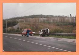 PHOTO ORIGINALE 1991 - ACCIDENT DE VOITURE PEUGEOT 505 BREAK TOIT RÉHAUSSÉ - CRASH CAR - Auto's