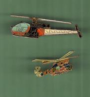 HELICOPTERE *** Lot De 2 Pin's Differents *** N°25 *** 5011-2 - Vliegtuigen