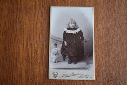 CDV Germany Dulken Albert Breuer Little Girl With Toy Dog - Ancianas (antes De 1900)