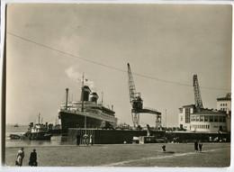 "Dampfer ""America""am Columbuskai In Bremen, Gelaufen - Steamers"