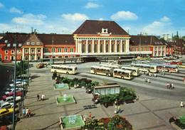Bahnhof/Gare Hamm/Westfalen,VW Käfer,Opel Manta,Omnibusse, Gelaufen - Stazioni Senza Treni