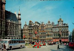 Bruxelles  Un Coin De La Grand Place - Monuments