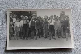 Carte Photo, Les Enfants Sont Près Pour Le Départ De La Course - Photographs