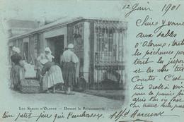AB. 85 LES SABLES D'OLONNE. Sablaises Devant La Poissonnerie 1901 - Sables D'Olonne