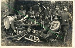 14-18.WWI - Carte Photo Allemande - Frontfoto  Soldaten  Musiker Hund Bier Alkohol - Guerra 1914-18