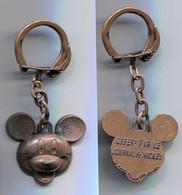 Walt Disney Production Porte-clefs Ancien Offert Par Le Journal De Mickey - Key-rings