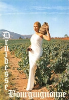 Bourgogne Romanèche Jullié Juliénas Vins Vin Vendanges Femme Druidesse Moisy 24 258 - Non Classificati