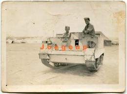 Photo Soldiers In War Tank Camp Polish Military In Palestine 1943 - Guerra, Militari