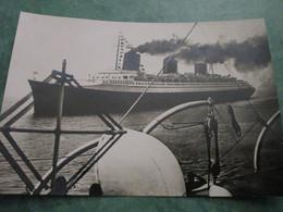 Le NORMANDIE Lors D'une Traversée Transatlantique - Boats