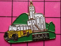 113D Pin's Pins / Beau Et Rare / THEME : TRANSPORTS / AUTOBUS AUTOCAR ANNEES 30/40 SUISSE SAAS - Trasporti