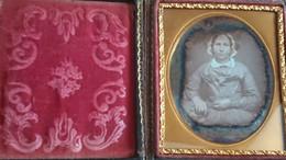 DAGUERREOTYPE - UNE FEMME AVEC COIFFE - Old (before 1900)