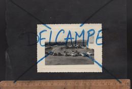 Photographie Originale : 1950's Photo Du Camp D'aviation VALEE Ou VALLEE Algérie Caserne Militaire / Automobiles - Guerra, Militari