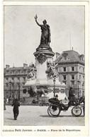 Paris - Place De La Republique - Collection Petit Journal - Markten, Pleinen