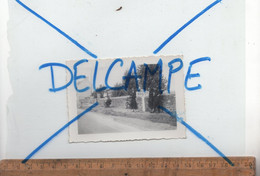 Photographie Originale : Photo Motards Au Panneau Indicateur Routier Route Nationale RN12 à L'entrée De BREST Finistère - Places