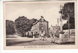 Courseulles Sur Mer - La Place De La Mairie - Courseulles-sur-Mer