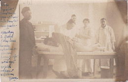 "CARTE PHOTO OPERATION D""ECLAT D'OBUS HOPITAL MILITAIRE VILLEBLEVIN AVRIL 1915   REF 70602 - Villeblevin"