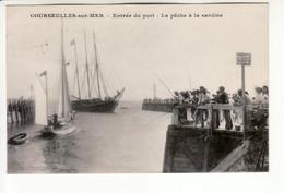Courseulles Sur Mer - Entrée Du Port, Pêche à La Sardine - Courseulles-sur-Mer