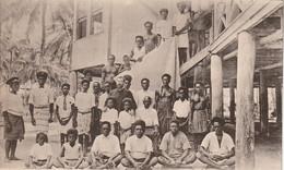 Salomon Septentrionales (4029) R.P. Chaize Et Quelques Baptisés - Solomon Islands