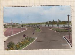 21B862 Vichy Boulevard De Lattre De Tassigny Et Le Plan D'eau - Vichy