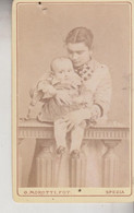 LA SPEZIA ANTICA FOTOGRAFIA TESSERA CARTONATA ORIGINALE PRIMI 9OO DONNA CON BAMBINO - Ancianas (antes De 1900)