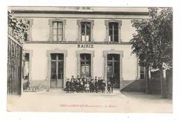 EURE-ET-LOIR  /  VERT-en-DROUAIS  /  LA  MAIRIE  ( écolier Et Maître D' école Qui Posent ! ) - Autres Communes