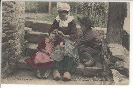 29 - BRETAGNE - Costumes Er Moeurs - Petite Scène Familiale - Non Classificati
