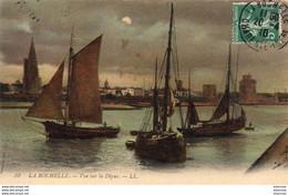 D17  LA ROCHELLE Vue Sur La Digue - La Rochelle