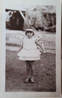 Fillette En Costume Papillon 1932 -Hausset Andrée - Persone Identificate