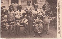 Dahomey Pierre Claver Catéchiste Avec Sa Famille  N°14 - Dahomey