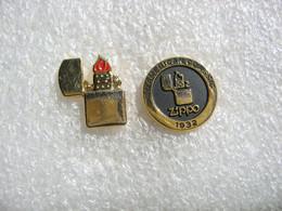 2 Pin's Briquet ZIPPO 1932. An American Classic - Non Classificati