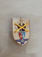 TE25859   INSIGNE MILITAIRE 11° BASEDE SOUTIEN DU MATERIEL   FAB  LR  PARIS G4588 - Army
