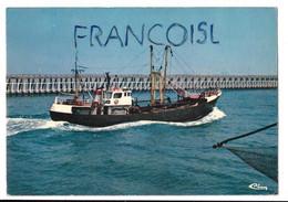 Côte Belge. Bateaux De Pêche En Route Vers La Haute Mer - Pêche