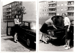 2 Photos Originales Femmes Au Coeur De La Cité Allemande Posant Avec Leur Simca 1000 Vers 1970 - Automobiles