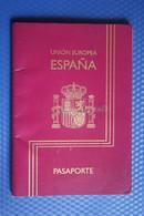 Passport / Passeport - Pasaporte - Spain - España - Comunidad Europea   ID Card   - 2000 Edition - Documentos Históricos
