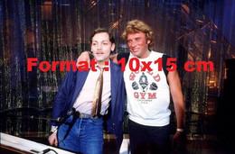 Reproduction D'une Photographie Ancienne De Johnny Hallyday Avec Patrick Dewaere En 1980 - Riproduzioni