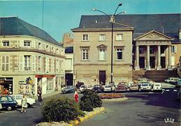 Automobiles - Voitures De Tourisme - Poitiers - Le Palais De Justice - CPM - Carte Neuve - Voir Scans Recto-Verso - PKW