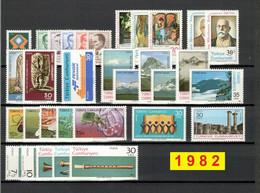 TURCHIA 1982 Annata COMPLETA Valori Nuovi 32 Fbolli + 3 Foglietti - Annate Complete