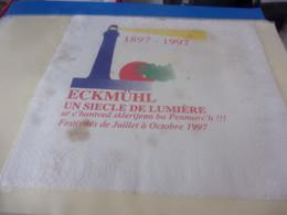 SERVIETTE PUBLICITAIRE  ECKMUHL 1897 1997 UN SIECLE DE LUMIERE   TACHEE - Company Logo Napkins