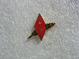 Pin's Ancienne Embleme D'un Bureau De Tabac, Papeterie - Non Classificati