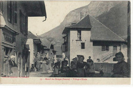 CPA   LES BAUGES  - Village D'Ecole  N° 35 - Sonstige Gemeinden