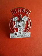 Pins Pin's émail UNSS - Tortue - Union Nationale Du Sport Scolaire - Lycee Toulouse Lautrec Signé FF ( Ferrier France ) - Other