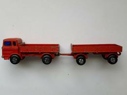1978 Matchbox Superfast Mercedes Truck Und Mercedes Trailer - Oud Speelgoed