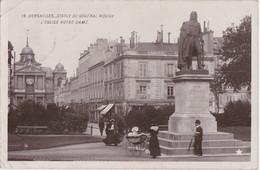 Cc - Cpa VERSAILLES - Statue Du Général Hoche - L'Eglise Notre Dame - Versailles