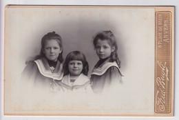 PERSONEN OP FOTO ZIJN VAN ANTWERPSCHE ADEL  - 2 SCANS-   FOTOGRAAF  FRED BUYLE    10.5 X 6.5 CM - Ancianas (antes De 1900)