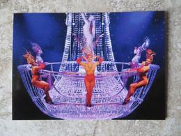 CPM Paris Revue Champagne Cabaret Du Lido Champs Elysées Danseuses Plumes D'après Photo Originale - Kabarett
