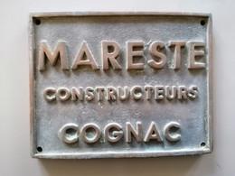 Ancienne Plaque Constructeurs D'Alambics Charentais Maresté Cognac En Bronze - Autres
