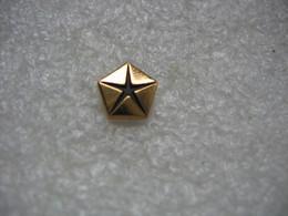 Pin's De L'embleme Des Automobiles CHRYSLER - Unclassified