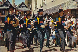 29. QUIMPER. GRANDES FETES DE CORNOUAILLE. DEFILE DES SONNEURS DU PAYS DE GLAZICK. ANNEE 1977 + TEXTE - Quimper