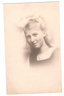 """Postcard Vintage 1900's Unused """"Young Girl""""  Very Nice Natural Looking Young Lady  See Description - Children And Family Groups"""